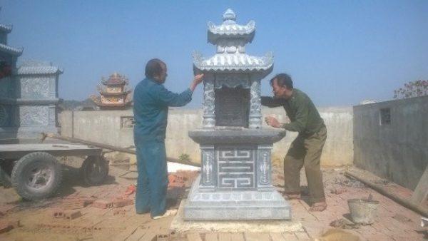 Khâu cuối của việc xây dựng lăng mộ đá