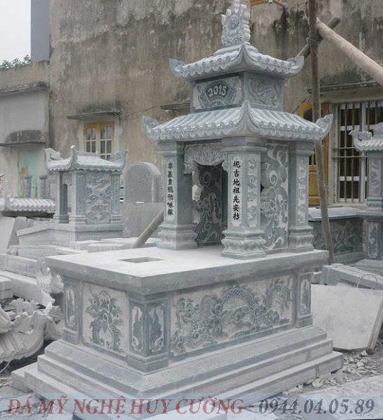 Mộ Đá Hai Mái lắp đặt tại Lào Cai