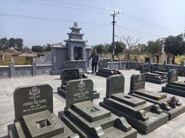 Lăng mộ đẹp - Mẫu Lăng mộ đá xanh rêu cao cấp Huy Cường