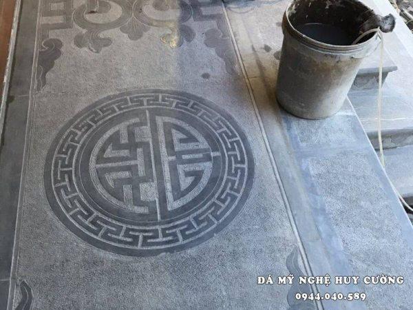 Đá lát nền tự nhiên nguyên khối với Hoa văn Chữ Phúc trong tiếng Hán đẹp