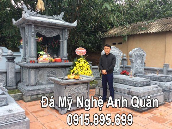 Nghe nhan Anh Quan truoc Khu lang mo da DEP tai Bac Giang